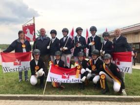 Reiterinnen und Reiter, Trainer und Mannschaftsführer des Landesverbandes Westfalen